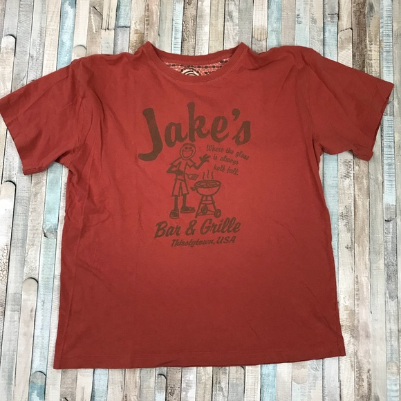 72256fadeb5 Life Is Good Other - Men s Life Is Good t-Shirt Jake s Bar   Grille
